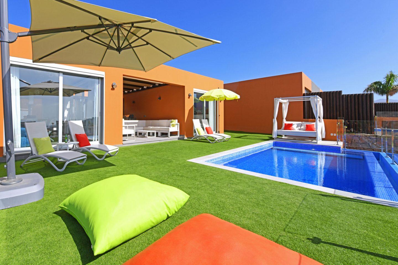 New luxurious holiday villas in the Salobre Golf Resort